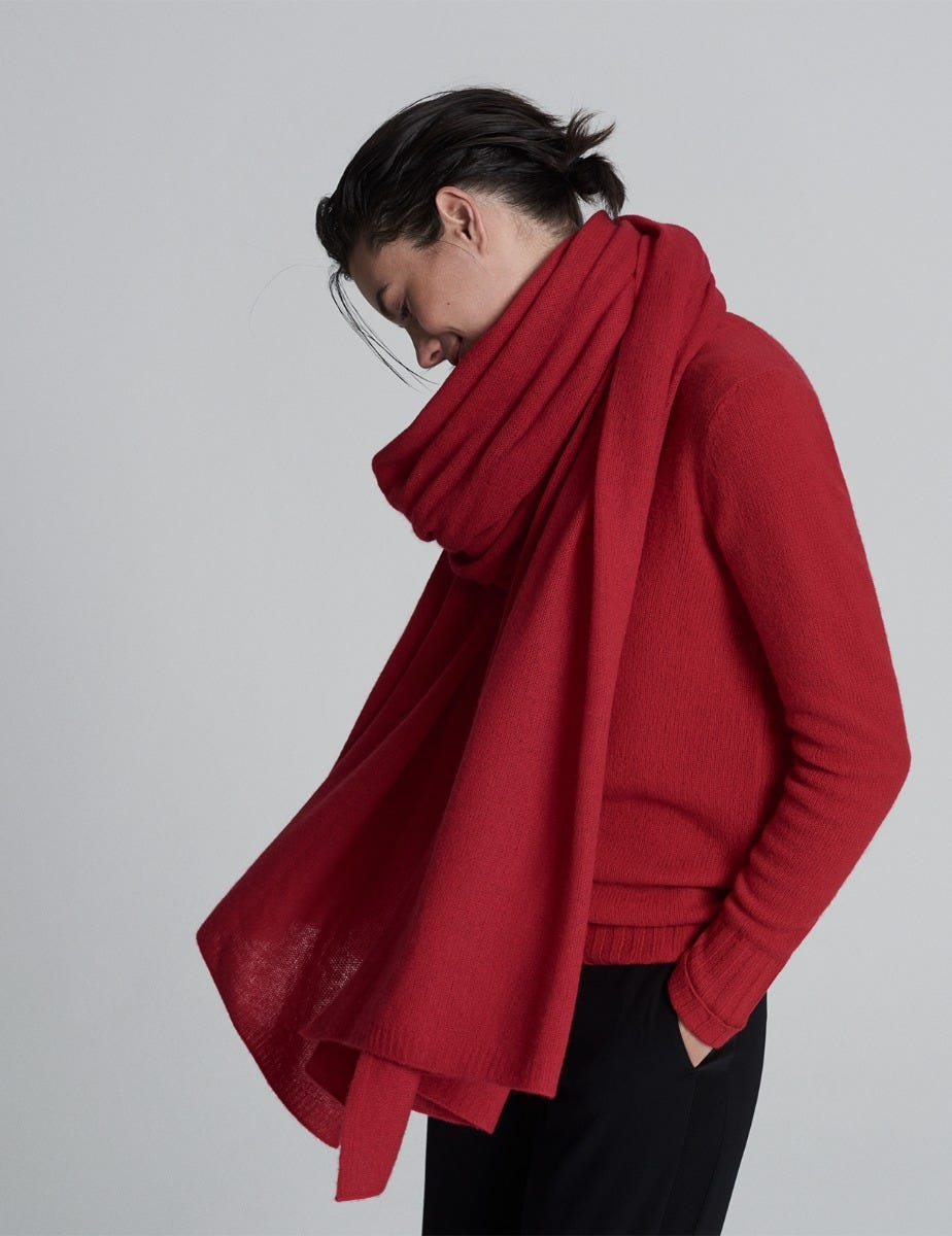 LUXURIOUS OVERSIZED CASHMERE WRAP