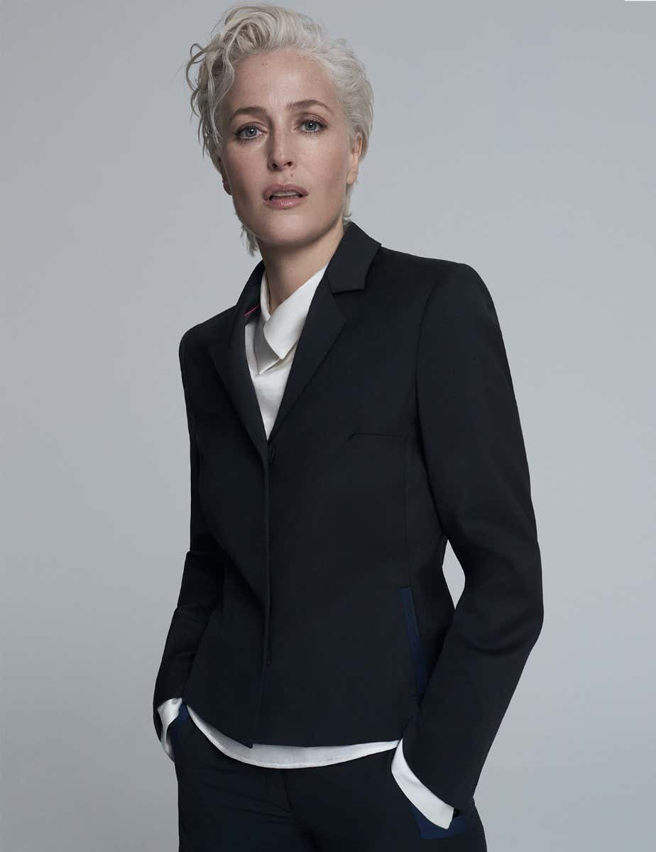 GILLIAN ANDERSON - SHORT FITTED JACKET