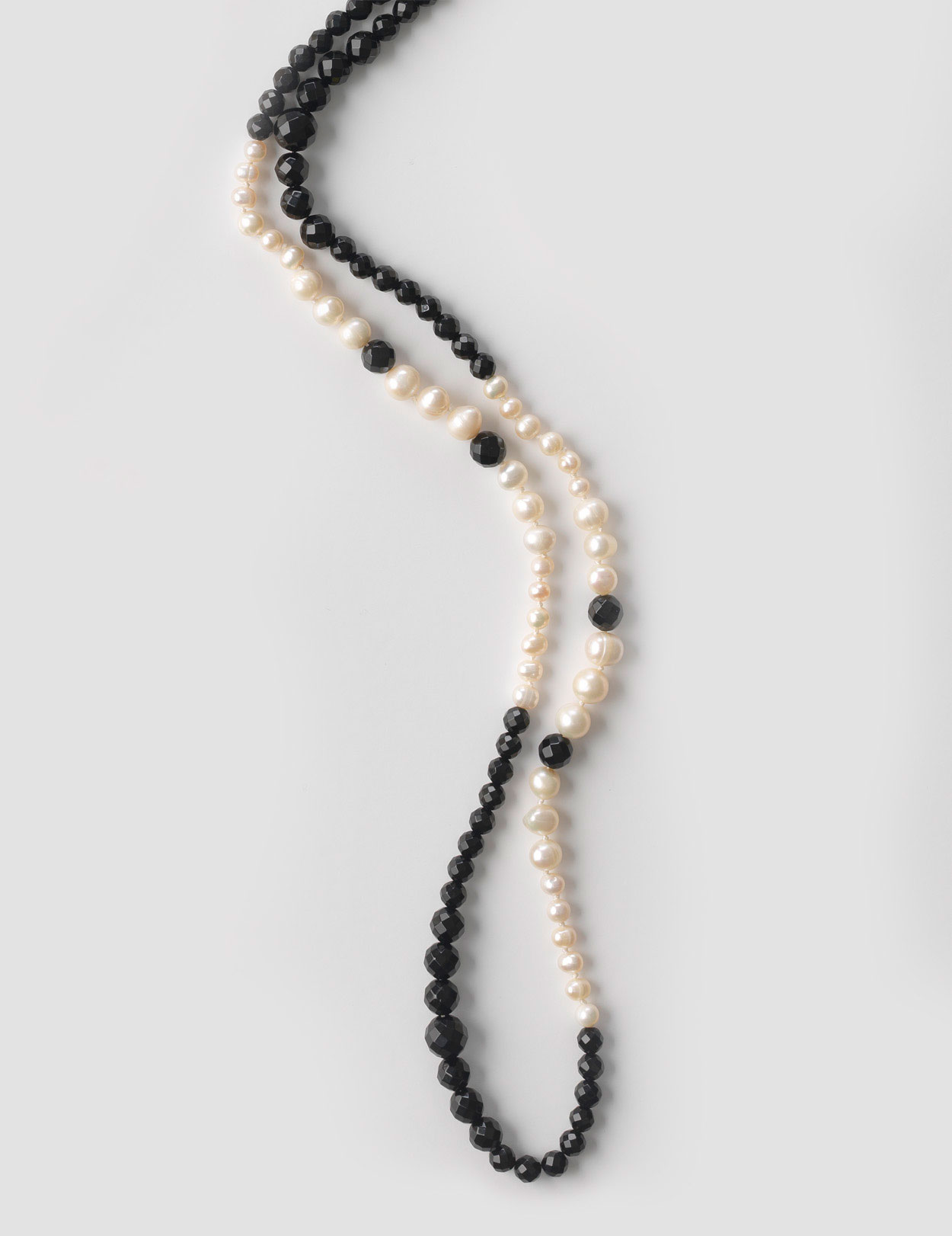 LONG FRESHWATER PEARL AND BLACK ONYX NECKLACE