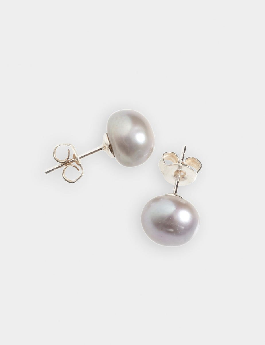 CLASSIC FRESHWATER PEARL STUD EARRINGS